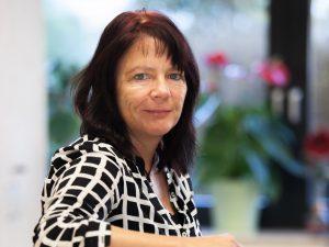 Frau Gabi Schmitz